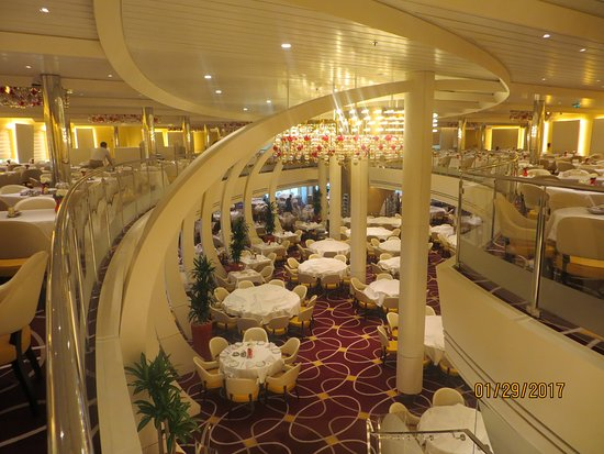 Koningsdam: The two level dining room