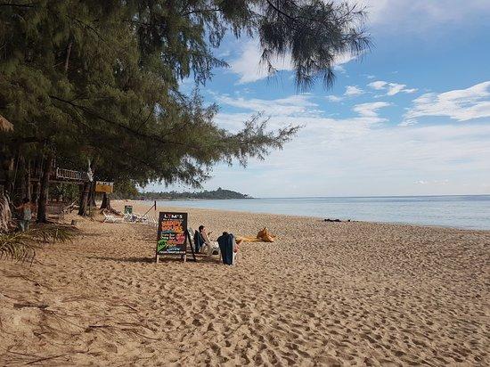 Schöner langer Strand
