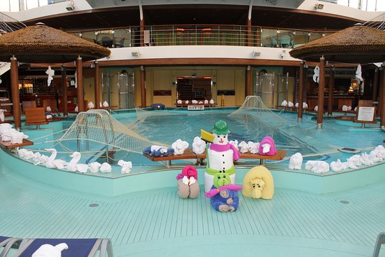 Carnival Vista: Seeing all of the towel animals on our last day of the cruise was a fun sur