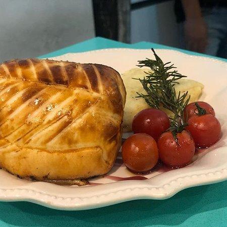 L'eclair Patisserie Restaurant: LOMO WELLINGTON  ★★★★★
