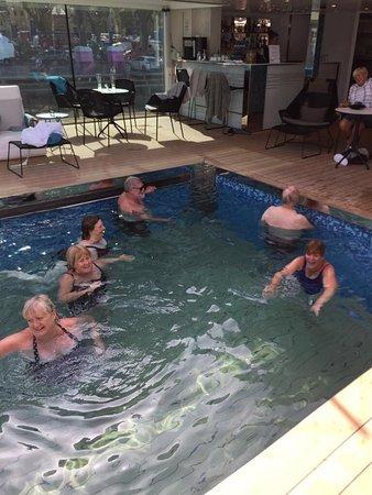 Emerald Liberte: Fun in the pool