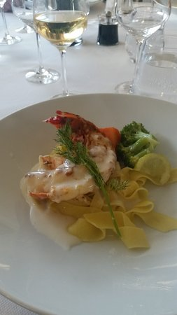 Scenic Pearl: Lobster main course