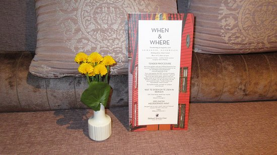 Koningsdam: The tiniest vase and fresh flowers!