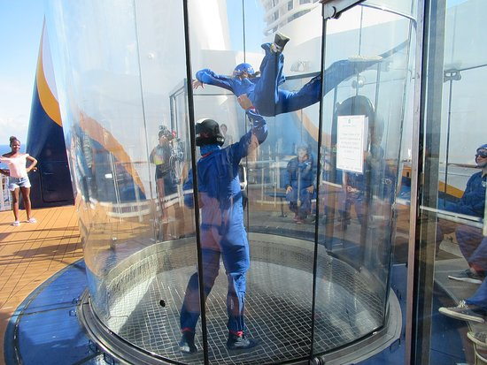 Anthem of the Seas: Skydiving