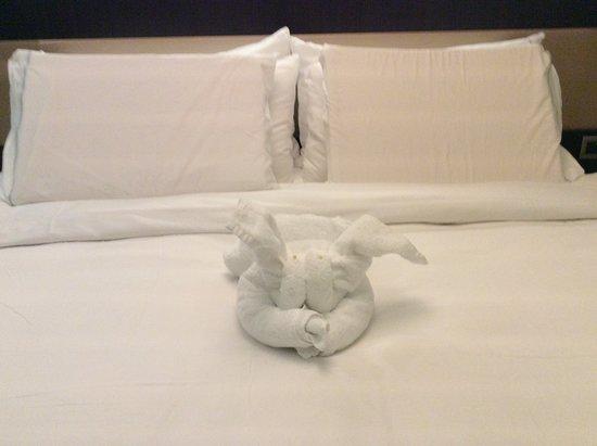 Norwegian Escape: Towel friend