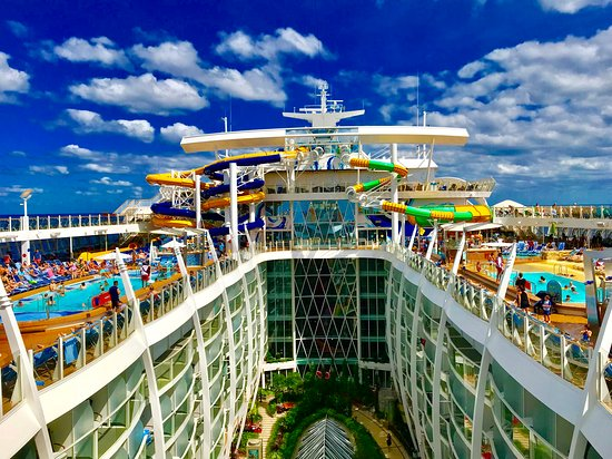 Harmony of the Seas: Central Park and water slides.