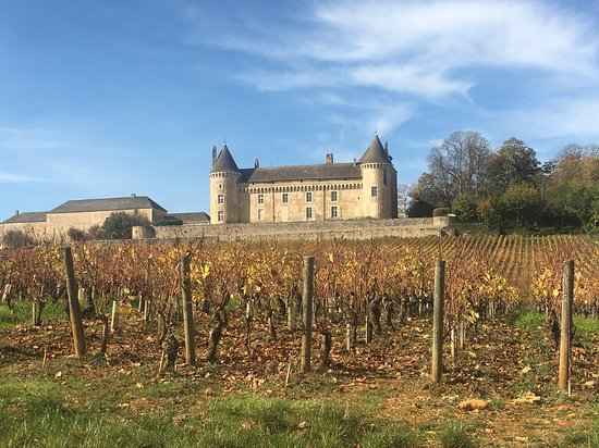 S.S. Catherine: Wine Tasting in Burgundy inside a 12th century Chateau