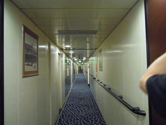 Pacific Eden: Deck 10, portside