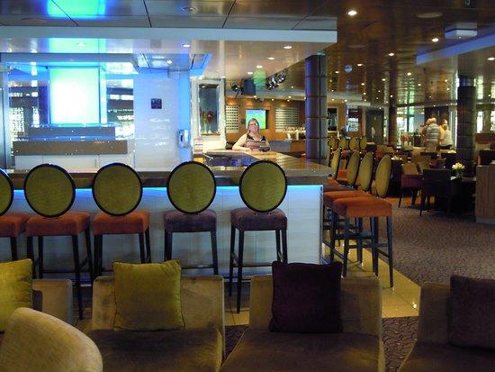 Pacific Eden: Martini Bar