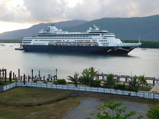 Pacific Eden arriving in Cairns