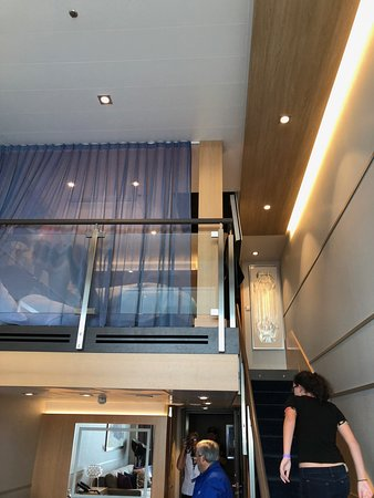 Harmony of the Seas: loft suite