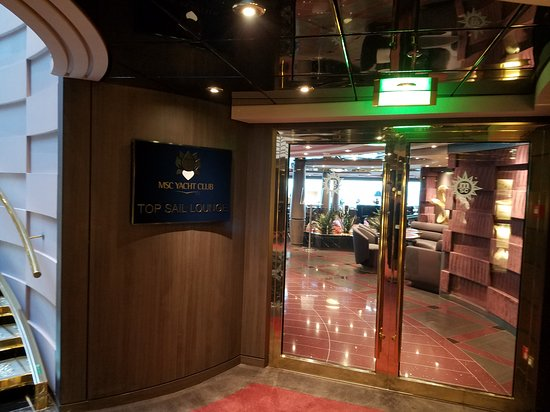 MSC Divina: Entrance to Top Sail Lounge. Exclusive area for Yacht Club guests.