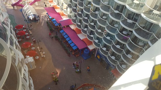 Harmony of the Seas: Boardwalk view from deck 16