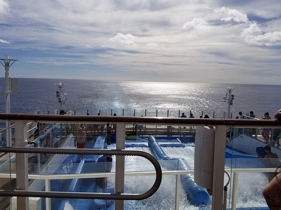Anthem of the Seas: Standing in front of iFly looking aft, over the Flowrider