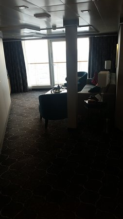 Harmony of the Seas: Living room.  This is taken from the front door and is the vantage point if