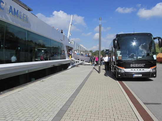 Scenic Amber: Bus from Prague to embarkation
