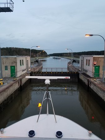 AmaStella: Crusing the locks of the Danube Canal