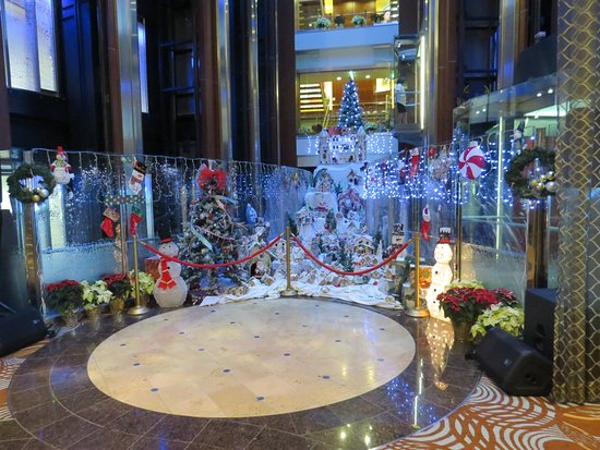 Celebrity Reflection: ships atrium
