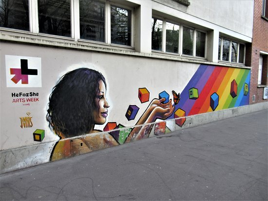 "Fresque ""He for She"""