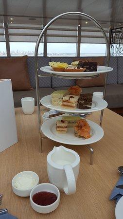 Viking Sea: Tea time :-) :-) :-)!!!   4 o