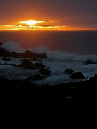 Sunset - Poço da Pedra Bar