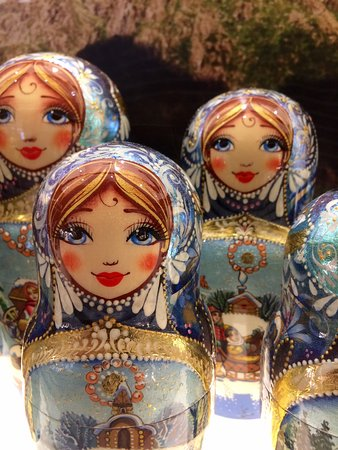 Viking Sky: Welcome to Russia .. These are the Dolls of Mother Russia