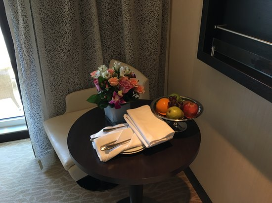 Norwegian Breakaway: Stateroom welcome - live flowers that lasted all week and a fruit basket, a