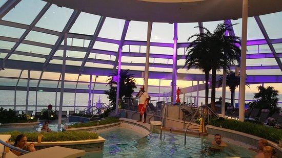 Ovation of the Seas: Solarium