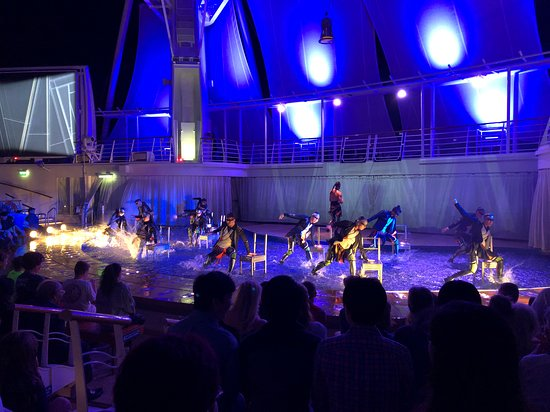 Harmony of the Seas: The water show The Fine Line