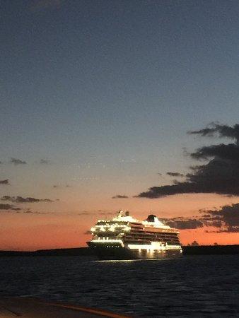 Viking Sun: The ship