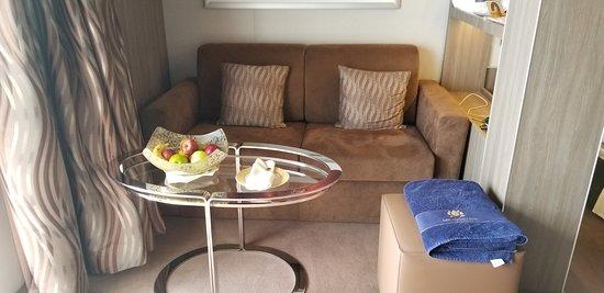 MSC Seaside: YC1 (deluxe suite) seating area