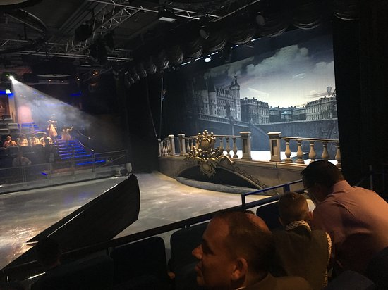 Harmony of the Seas: Ice skating show! It was a stretch from a storyline perspective but the per