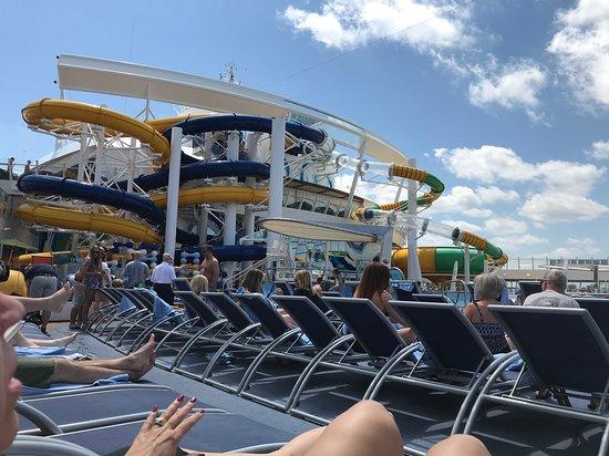 Harmony of the Seas: Water slides on Harmony