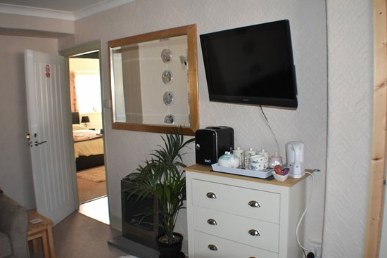 Ammanford, UK: Large Flat screen TV