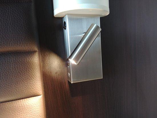 Norwegian Bliss: room 11109 adjustable reading light