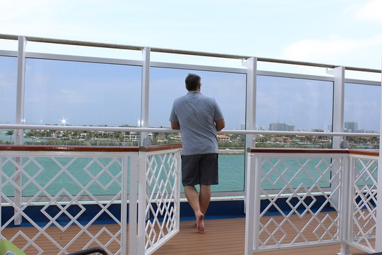 Carnival Vista: One downside is that you had a plexiglass wall infront of you. Not good whe