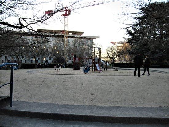 Square de la Porte de la Plaine