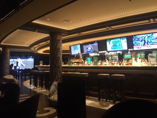 MSC Seaside: Sports Bar on Deck 8