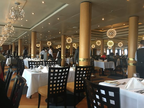 Grand Classica: Main dining room