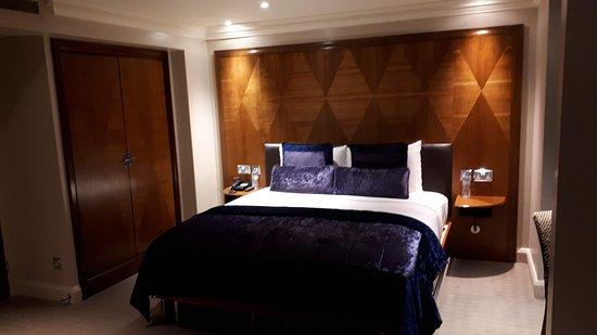 Radisson Blu Edwardian Kenilworth Hotel: business room