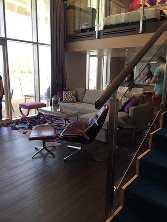 Harmony of the Seas: Loft Suite living area