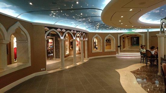 MSC Divina: The Venetian-themed shopping area