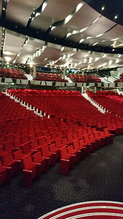 MSC Divina: The rather impressive theatre