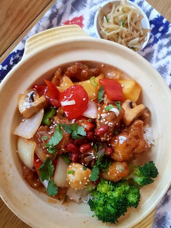 Beijing Cooking Pot: Sweet and Sour Chicken dish