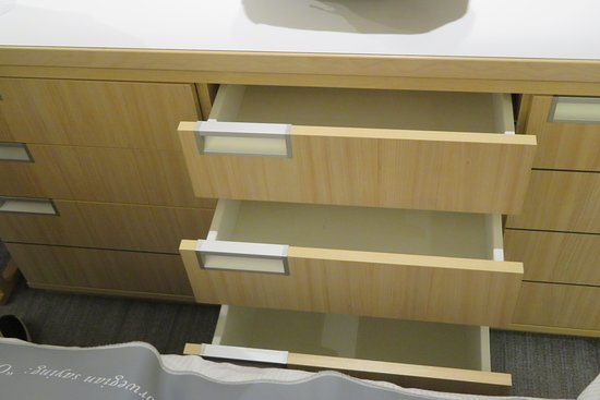 Viking Ve: Six drawer, the bottom is double deep