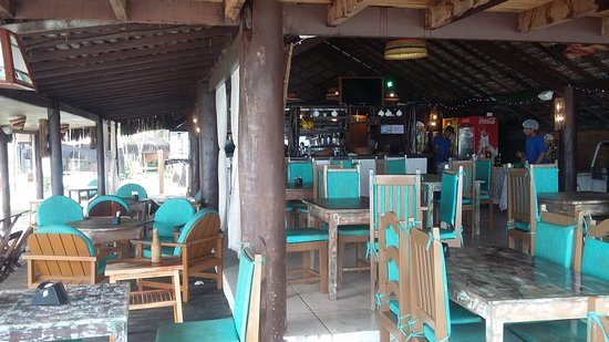 Arraial Praia Hotel Pousada: Bonito com ressalvas... Não encanta!
