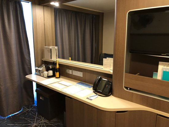 Norwegian Bliss: Cabin 15782 - M9 Spa Mini-Suite
