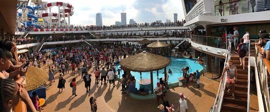 Carnival Horizon: Another view of the beach pool.