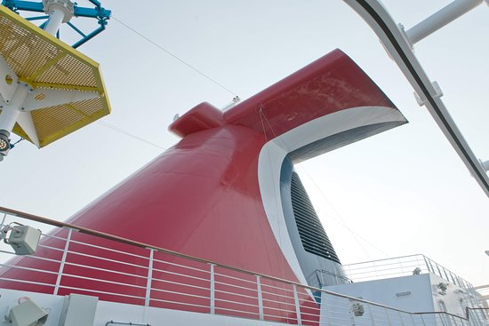 Carnival Horizon: The funnel.