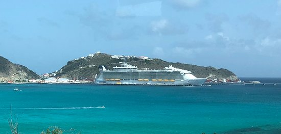 Harmony of the Seas: Ship while in St. Maarten